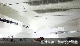 进行施工的艺术厅全景
