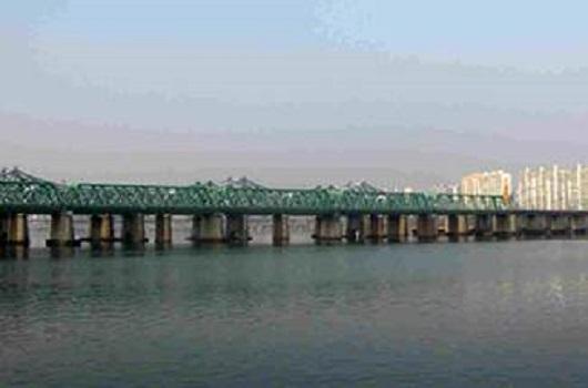 汉江铁桥(汉江最早的桥)