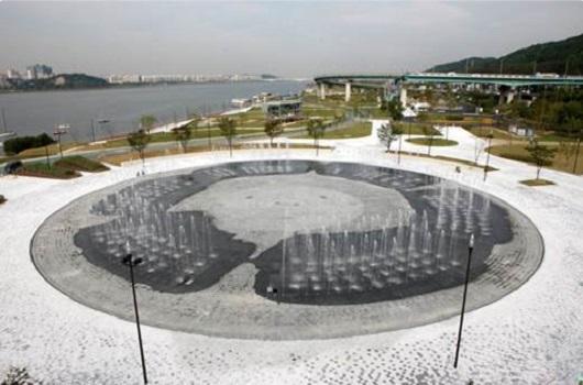 镜子喷泉(水广场)
