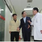 朴元淳首尔市长访问医院