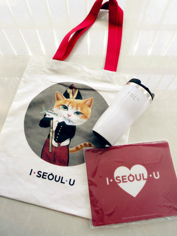 I.SEOUL.U 纪念品