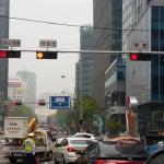 """首尔市,在交叉路增建""""公交车三色灯"""""""