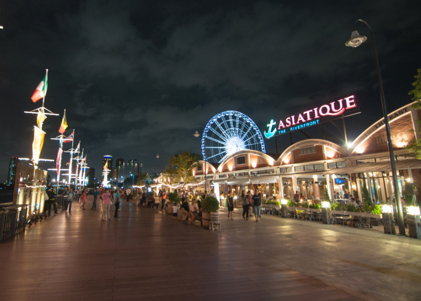 曼谷河滨夜市(Asiatique)