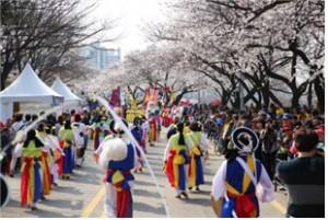 欢快庆典盈满首尔之春