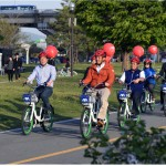 Indonesian_Incentive_Tourists_Ride_Seoul_Public_Bicycles