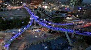 """服务于游客和市民的""""首尔路7017""""便利设施"""