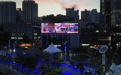 首尔市又一浪漫求婚圣地,首尔路媒体画布