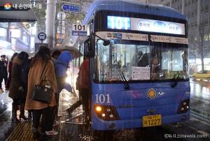 首尔市,年末延长市内公交车末班车时间