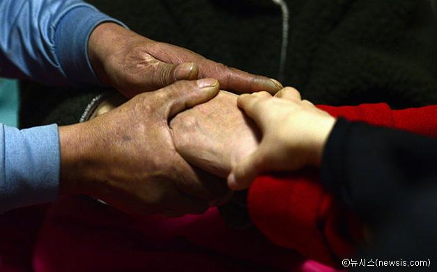 挖掘冬季福利薄弱家庭并加强支援