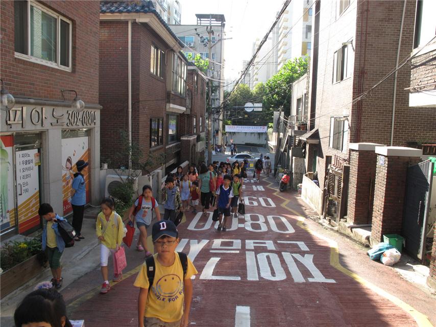 儿童步行专用道路