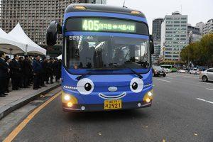 迎接跨年,首尔市88条公交车路线延长末班车运行时间