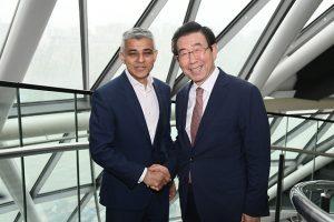 首尔市市长和伦敦市市长就限制公害车辆运行合作进行讨论