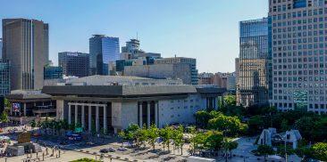 耗时4年与市民共同构想的光化门广场迈出第一步
