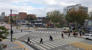 首尔市新设25处对角斑马线,让步行更便利