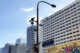 """首尔市首批26根""""智能杆""""架设完毕,集路灯·信号灯·Wi-Fi·监控摄像头功能于一体"""